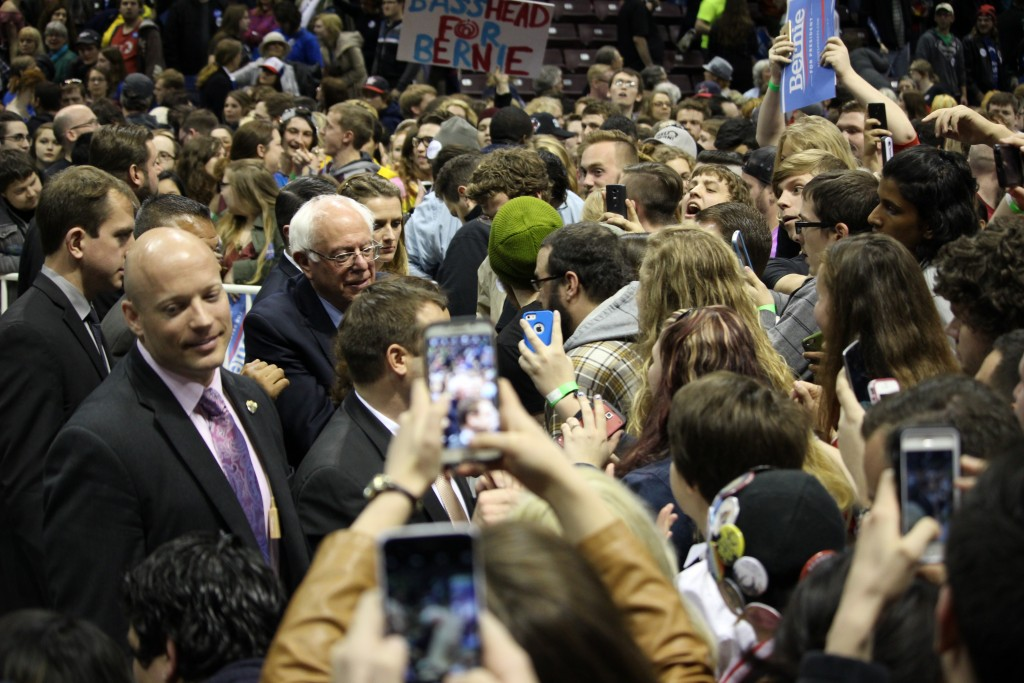 Bernie Sanders rallies voters before Missouri primaries