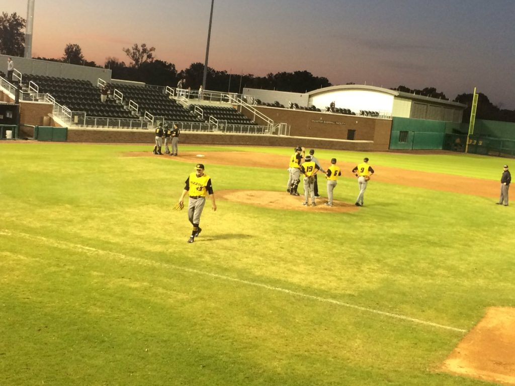 Team black clinches series win over team gold in Fall World Series